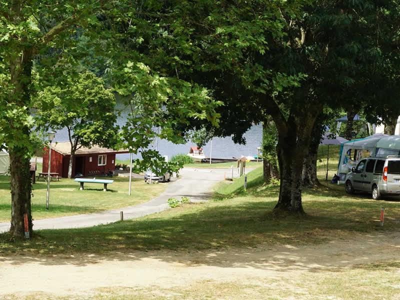 kleine camping in midden Frankrijk aan rivier